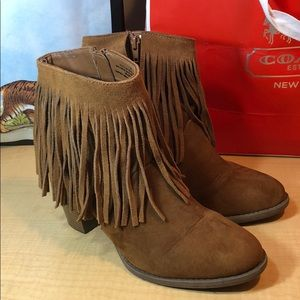 MOSSIMO leather camel fringe ankle boots